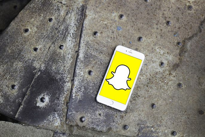 Téléphone mobile avec l'application Snapchat